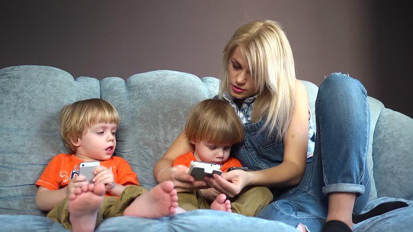 kids-smartphones